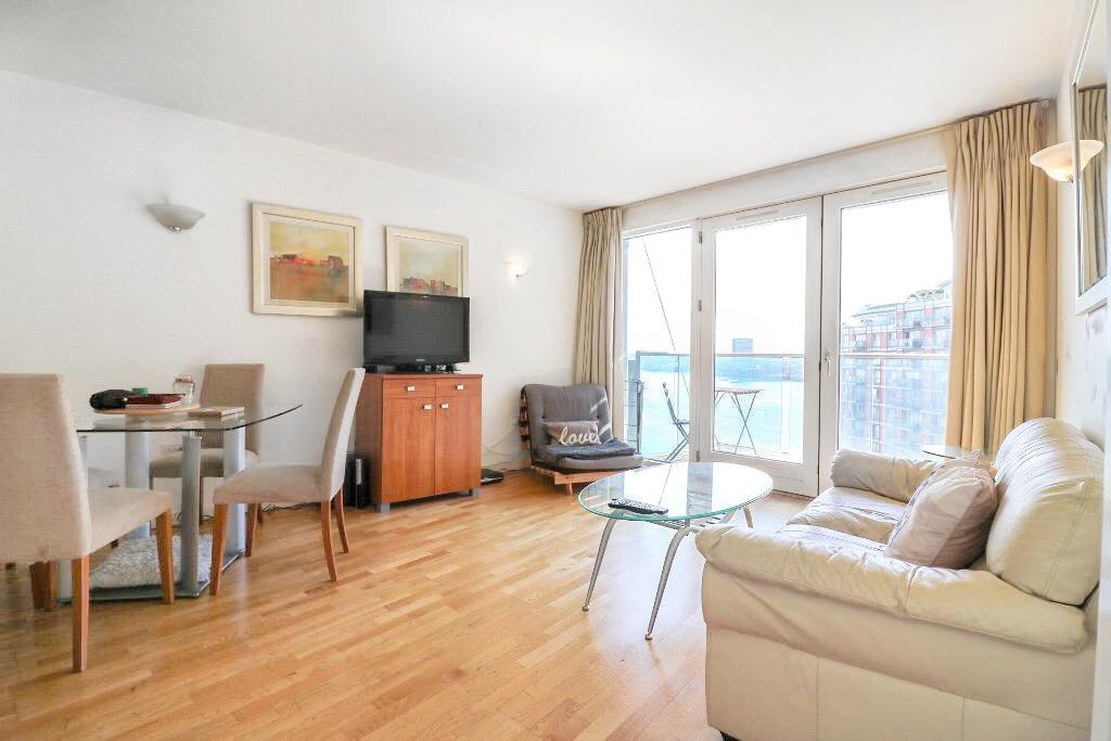 New Providence Wharf, 1 Fairmont Avenue, Canary Wharf, London, E14