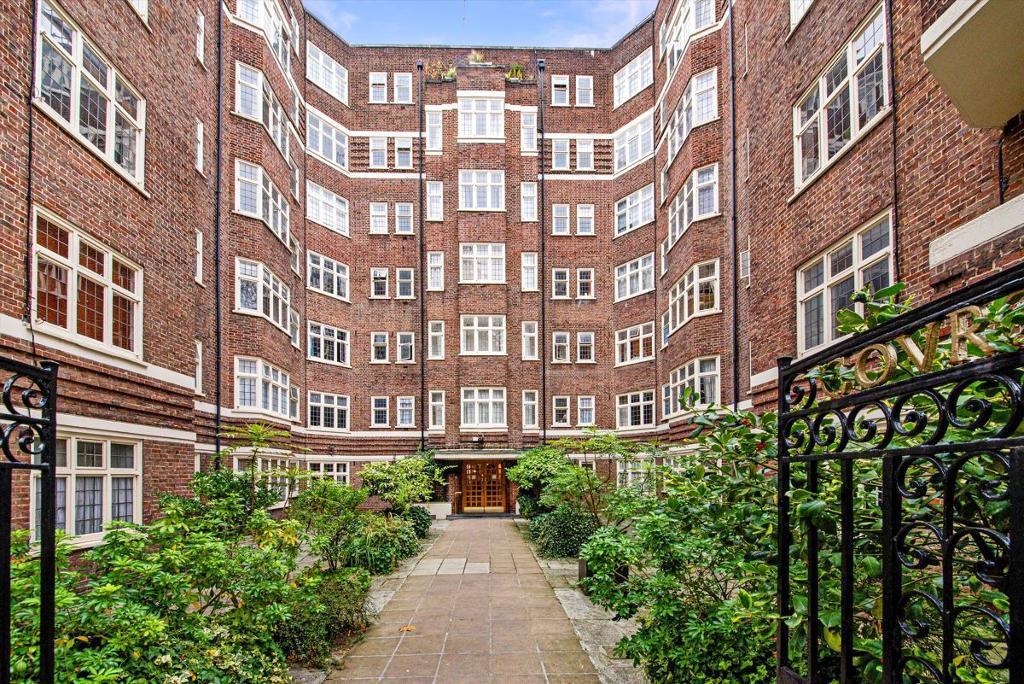 Clare Court, Judd Street, London, WC1H